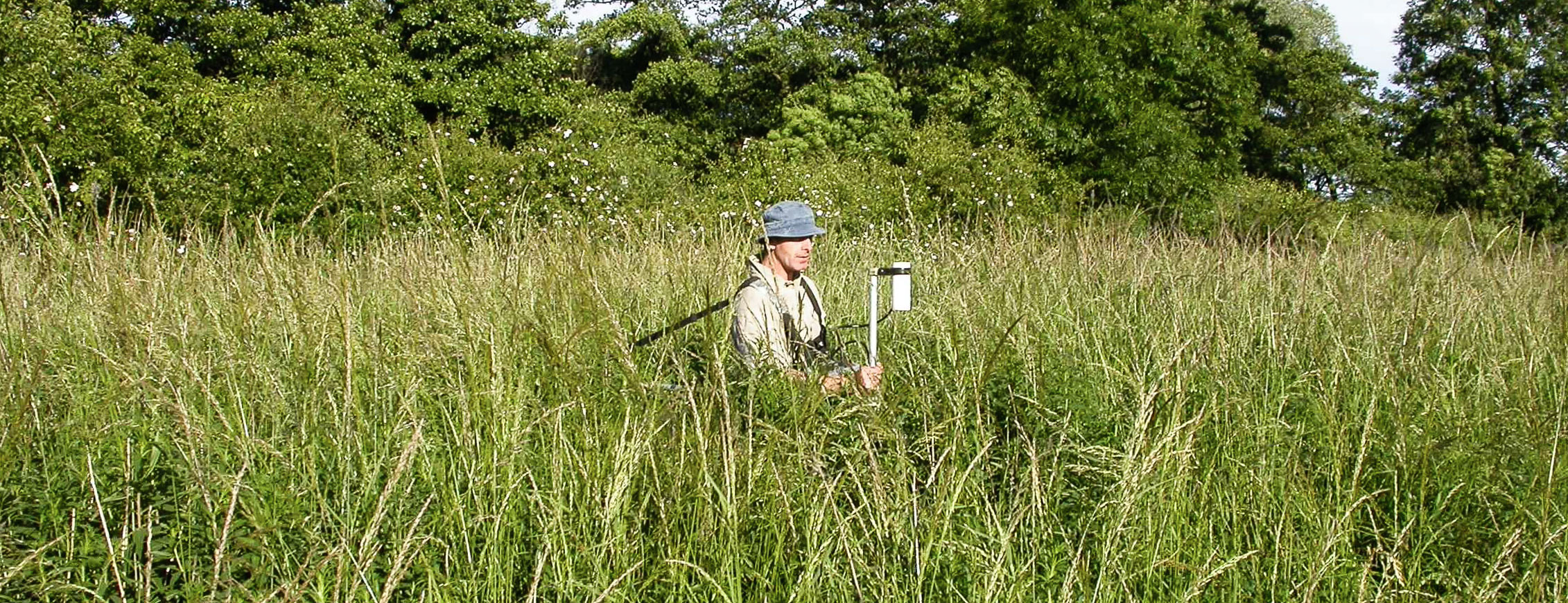 Magnetic gradiometer survey for unexploded ordnance